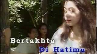 UMBRELLA - RamalanKu Benar Belaka Lirik (Karaoke)