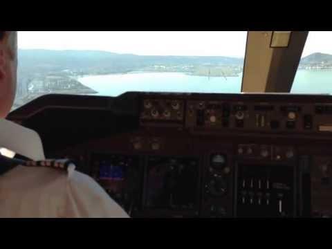 Landing 28L at SFO in a B744