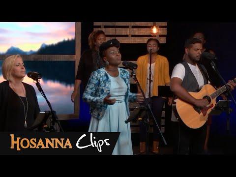Hosanna clips - L'Eternel est bon - Dena Mwana