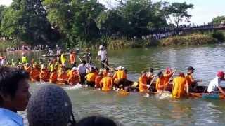 [HD]Trở thượng tiêu (Đò Lộc An chìm)   Bơi xã An Thủy 2013