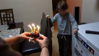 Video Aunt Laura and Uncle Rob sing Happy Birthday to Henry download MP3, 3GP, MP4, WEBM, AVI, FLV Juni 2018
