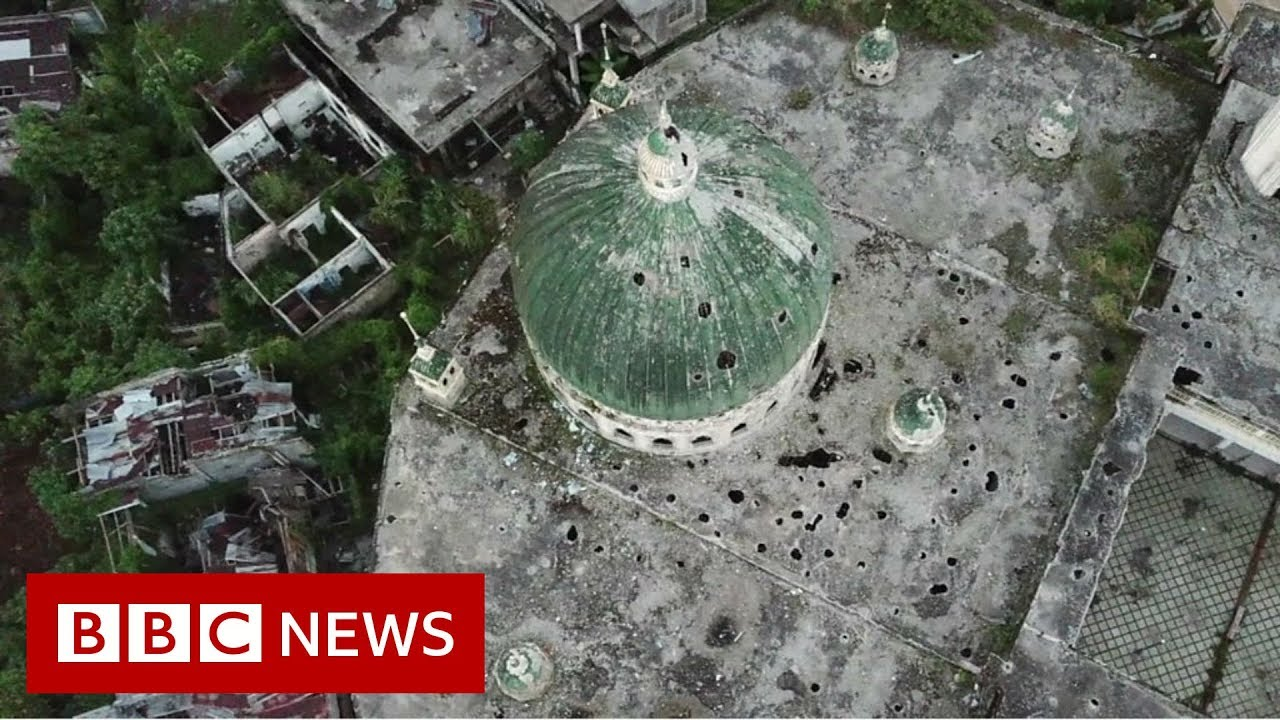 Inside the injured Philippine town of Marawi - BBC News