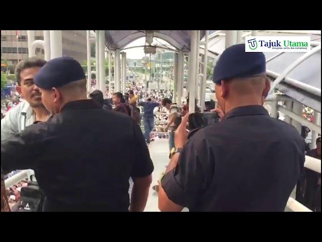 Bawaslu Pusat di Kepung Jamaah, Setelah Shalat Jum'at
