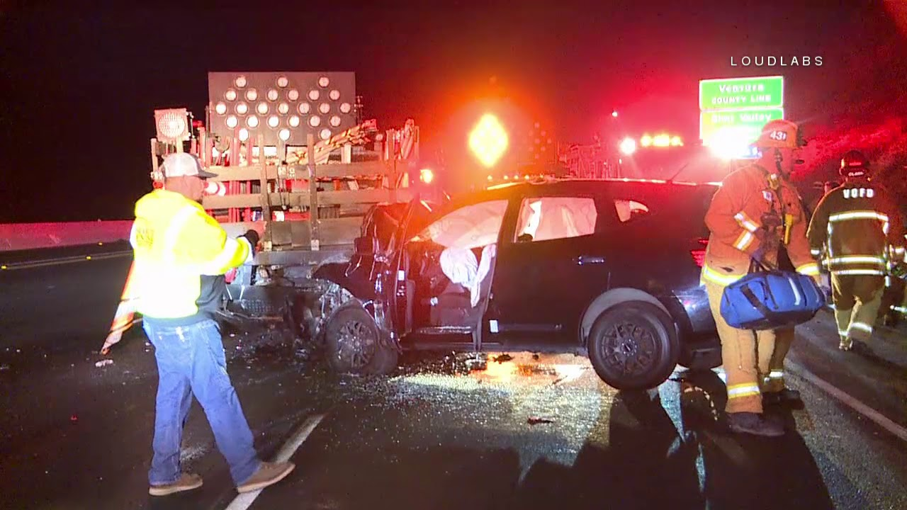 Car Hits Construction Truck on 118 / Simi Valley 10 10 18