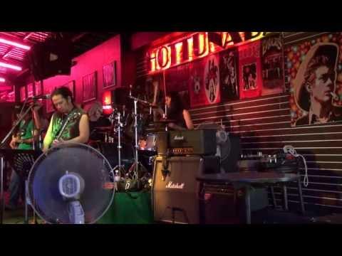 Live music on Walking Street,Pattaya