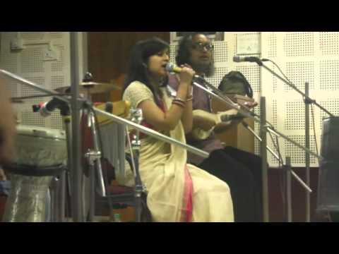 """Sahana Bajpaie singing """"Ekhono shei Brindabone"""""""