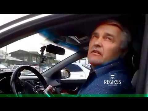 Мастер парковки создал проблем на ул. Жукова, Омск