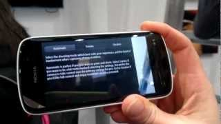 Nokia team Demos 808 Pure view