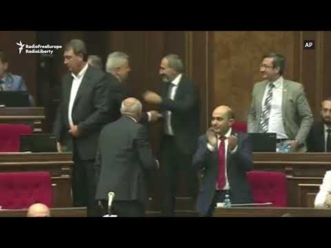 The Moment Pashinian Was Voted Armenian PM