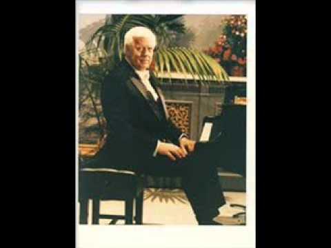 """Earl Wild plays Strauss - Schütt  """"Die Fledermaus"""" Concert-Paraphrase"""