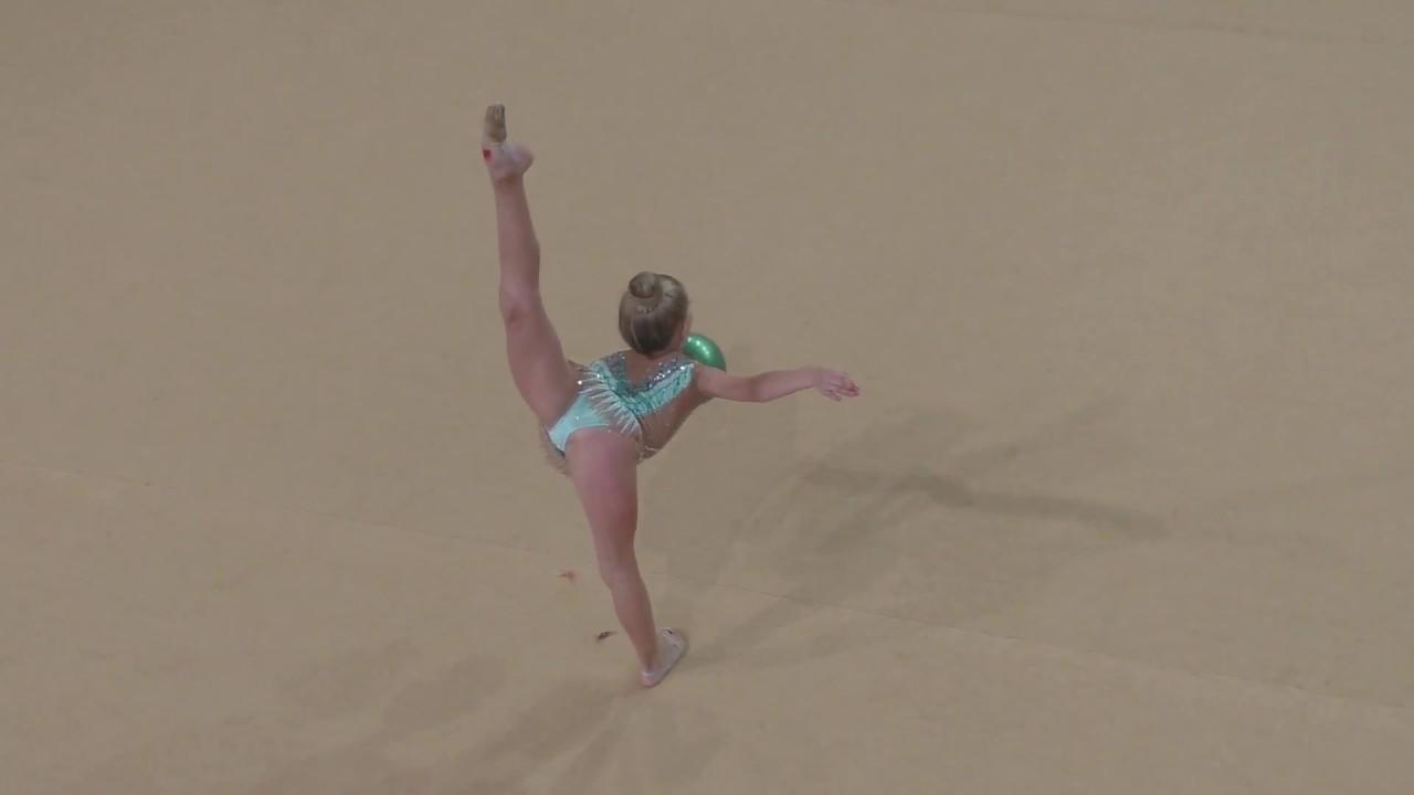 художественная гимнастика мяч - кровавая нога