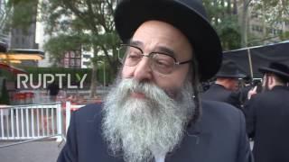 بالفيديو.. حاخامات اليهود الأرثوذكس يتظاهرون ضد نتنياهو