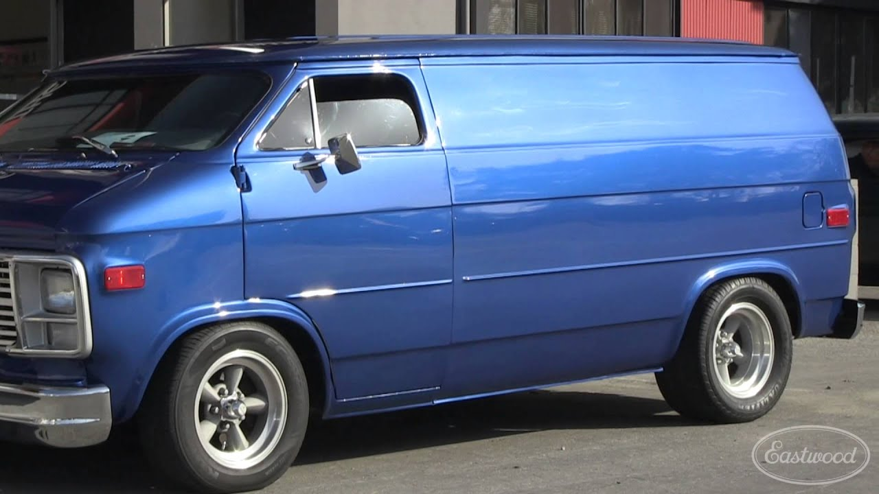 chopped 1978 chevy van at hot rod homecoming - eastwood