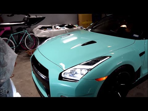 Checking out his Tiffany Blue Widebody GTR!