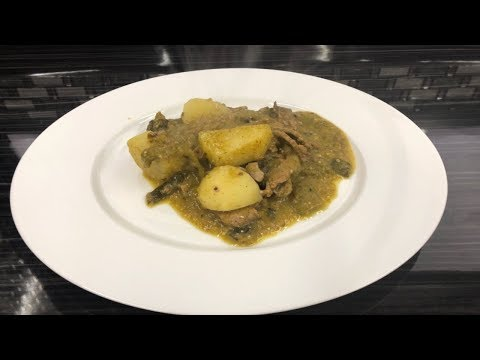Carne En salsa  verde Con chile poblano