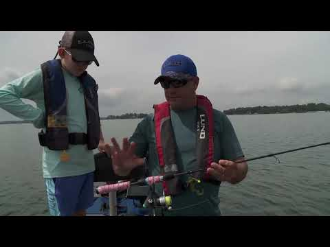 UFE S6 E6 Lake Minnetonka Bass Fishing In Weeds Or Rocks - Lund Boats High School Fishing Experience