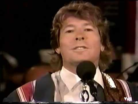 JOHN DENVER dedicates Annie's Song to WWII Vets with Erich Kunzel.  Stereo audio.