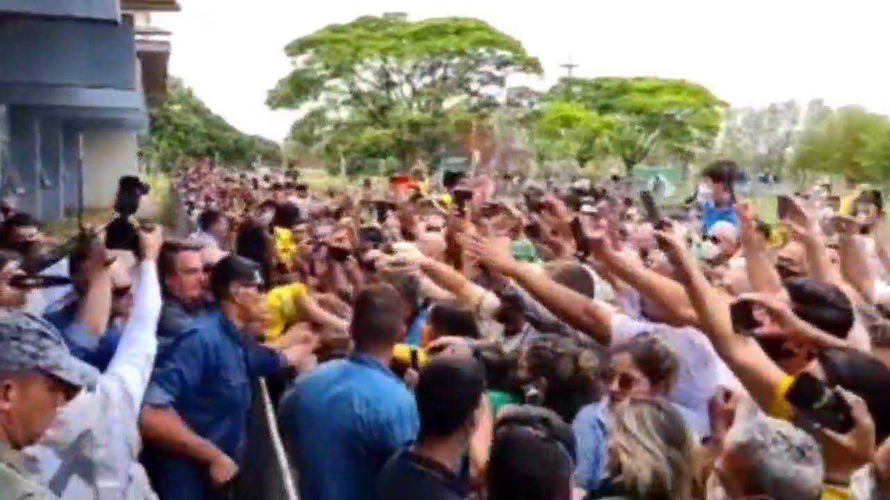Calorosa recepção do Presidente Bolsonaro em Araxá, Minas Gerais