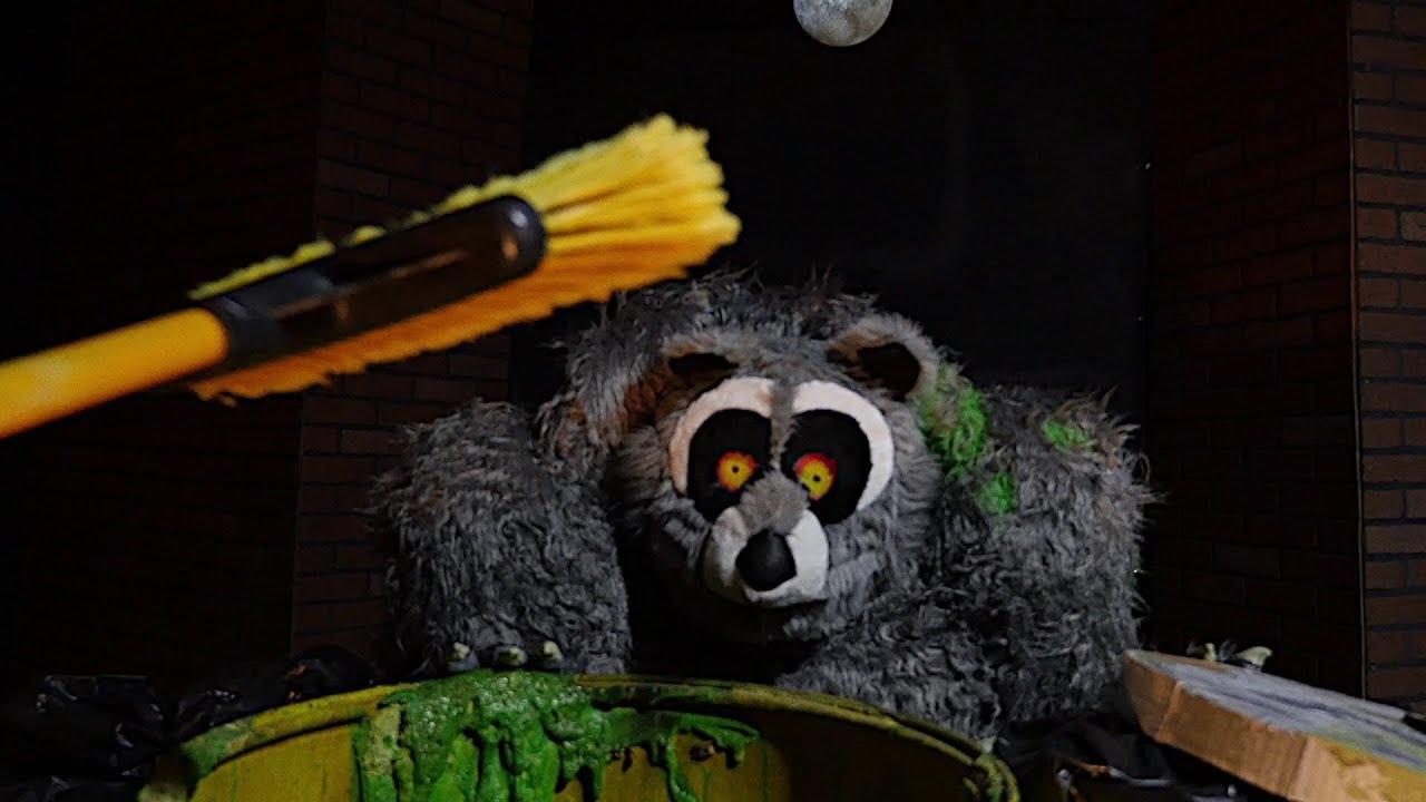 Rabid Raccoon Ani-Motion ™ Mask