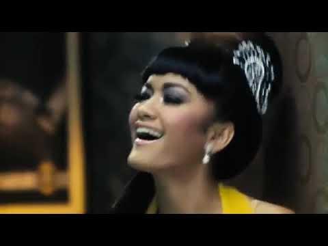 Film Indonesia   Arwah Goyang Karawang 2011   YouTube 2