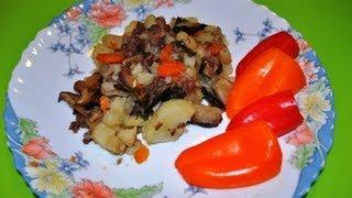 Картошка тушеная с грибами в мультиварке(Как потушить картошку с сушеными грибами и мясной тушенкой в мультиварке. Другие видео: Торт