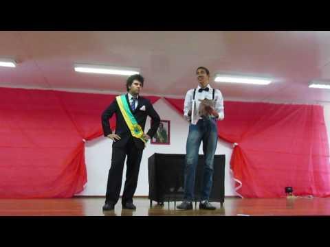 """Encenação de """"O bem amado"""" (Dias Gomes)"""