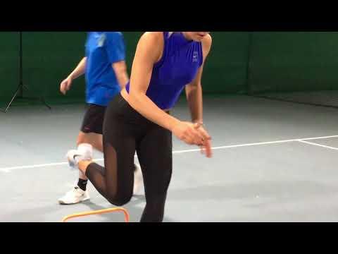 Fitnesstraining mit Carina Witthöft: Hürdensprung