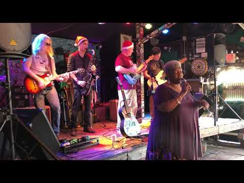 Kim Massie Sings Superstitious At Broadway Oyster Bar STL 12/21/19
