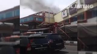 Rita Mall Kota Tegal Terbakar, Pengunjung Berhamburan