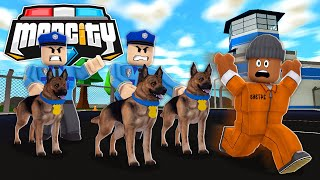 POLICE DOGS VS #1 CRIMINAL IN ROBLOX MAD CITY!!