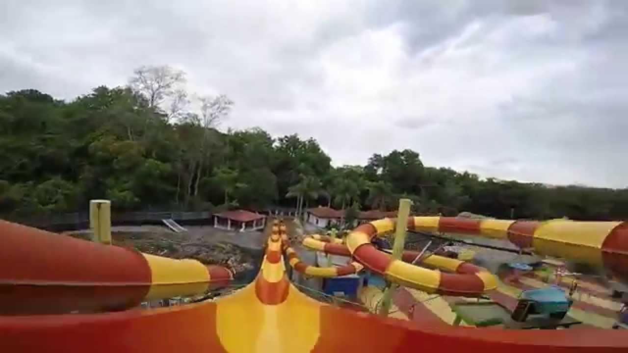 Parque acuatico villa fantasias orotina tobog n abierto for Villas fantasia orotina