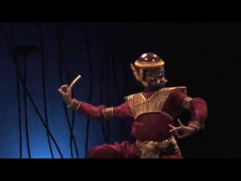 """Cambodian Contemporary dance """"The Lives of Giants"""" by Sophiline Cheam Shapiro"""