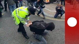 """Carnevale anticapitalista"" a Londra, in vista del G8"