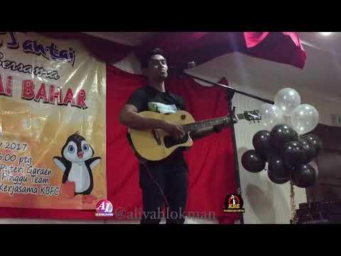 Khai Bahar live Terus Mencintai (versi akustik)