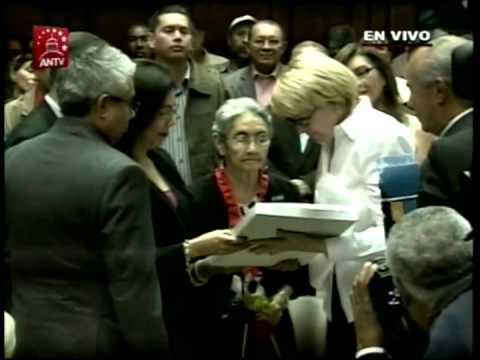 Homenaje a Noel Rodríguez: Fiscal General y Vicepresidente Maduro con su madre Zenaida