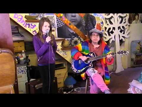 Doris Day - Que Sera Sera - Acoustic Cover - Jasmine Thorpe ft. Danny McEvoy