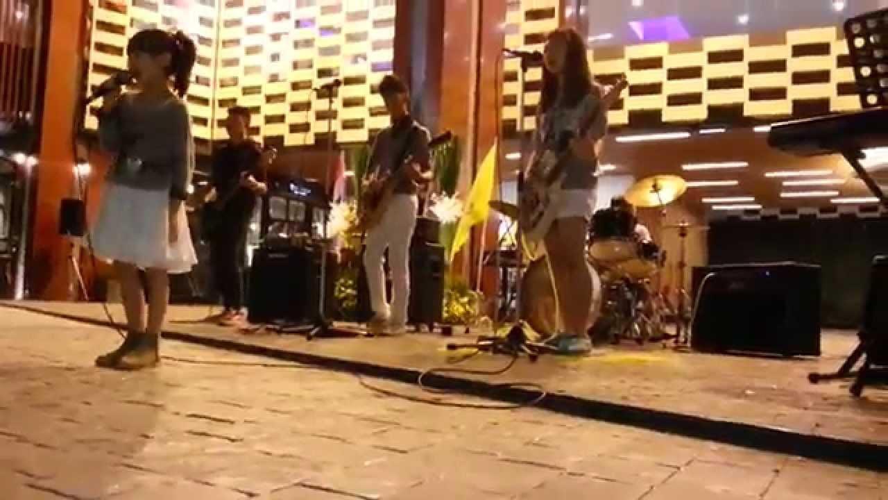 เธอคือของขวัญ Cover By Musicollikids @Tinkpark Eastin Tan Hotel Chiang Mai