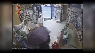 Casamassima – La Polizia di Stato sventa rapina in farmacia ed arresta tre rapinatori