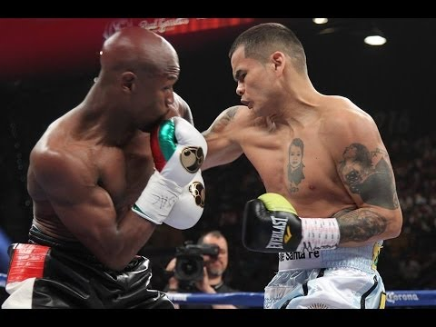 Boxing Results #TheMoment:  Floyd Mayweather wins a Majority Decision over Marcos Maidana.