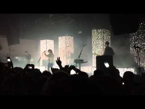 The City [Live] - The 1975