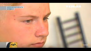 Писать правой рукой снова сможет 12-летний Артур из Енакиево