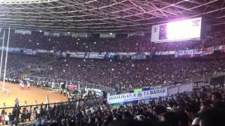 Gambar cover Atmosfer Bobotoh di Tribun Utara Stadion Gelora Bung Karno