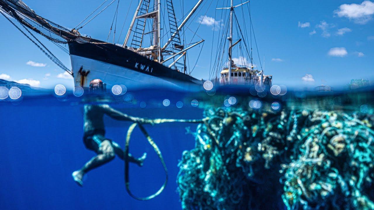 ככה עושים ניקיון: צוות הסירה הזו אסף 103 טונות של אשפה ימית