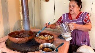 Bistec en Chile Negro y Arroz Blanco De Mi Rancho a Tu Cocina