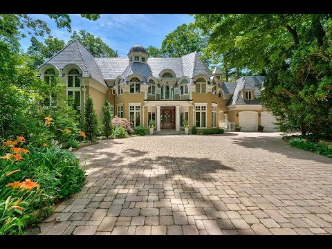 836 Burns Ave, Mississauga | Lorne Park Estates Waterfront Home |  For Sale By The Papousek Team
