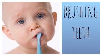 видео Как чистить зубы маленькому ребенку