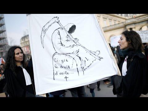 """Loi asile immigration en France: """"Ce projet n''est en rien à la hauteur des questions qui se posent"""