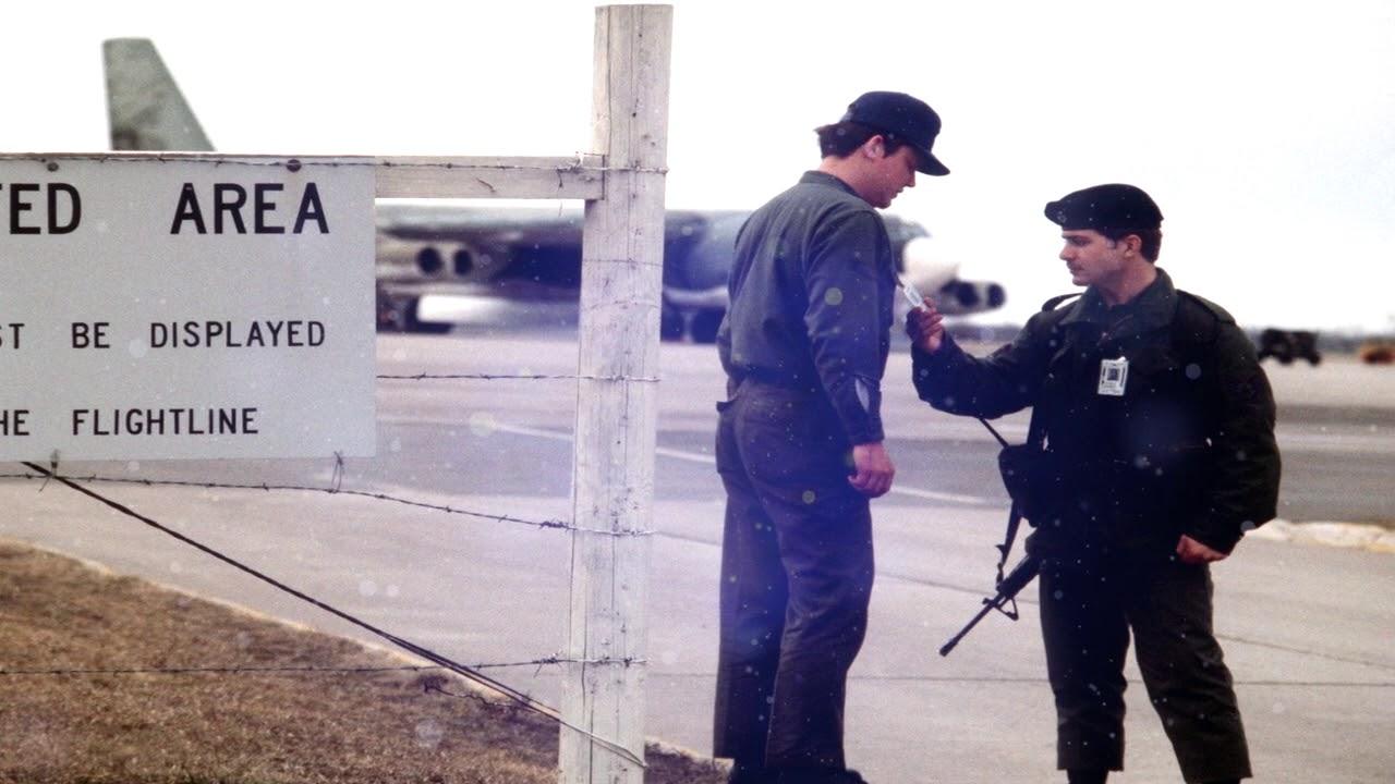 Zona 52 - Baza Americana Ultrasescreta