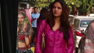 Video Pakistani Fashion Scores in India Despite Tense Bilateral Relations download MP3, 3GP, MP4, WEBM, AVI, FLV September 2019