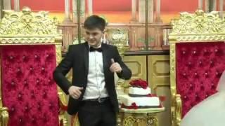 Самый весёлый жених. Танцует на своей свадьбе